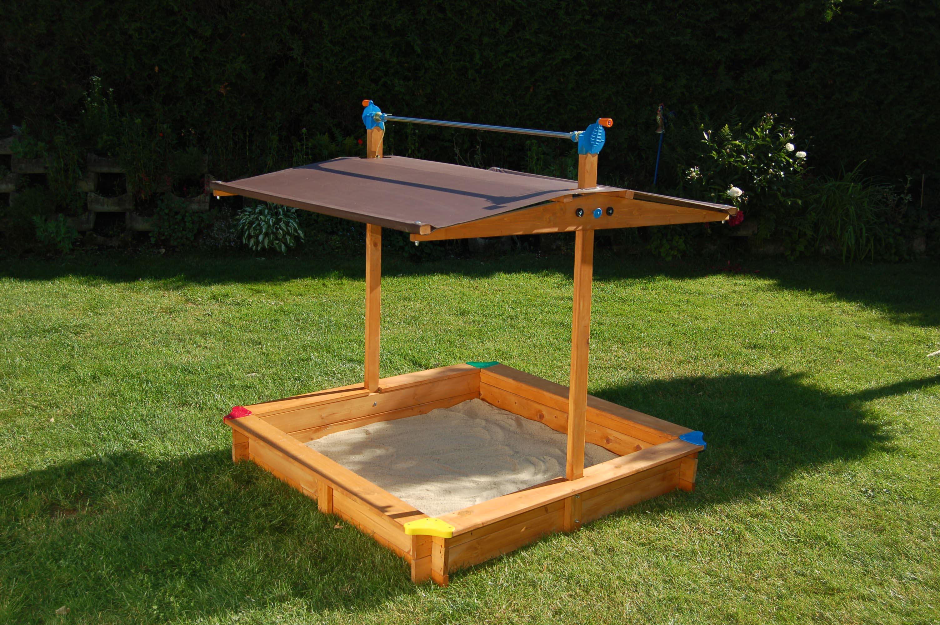 Sandkasten mickey mit dachkurbel gaspo qualit t aus for Cortile giochi per bambini